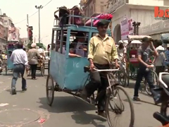 India-School-Bus-Rickshaw--