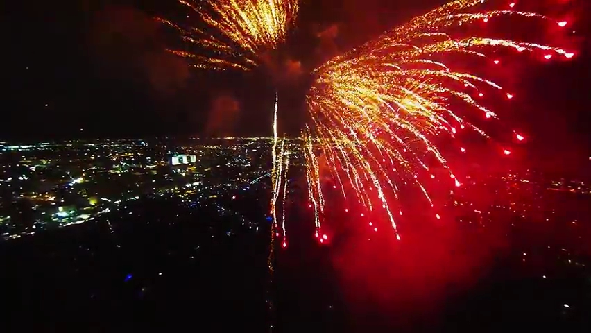 Fireworks filmed with a drone.mp4_000105805