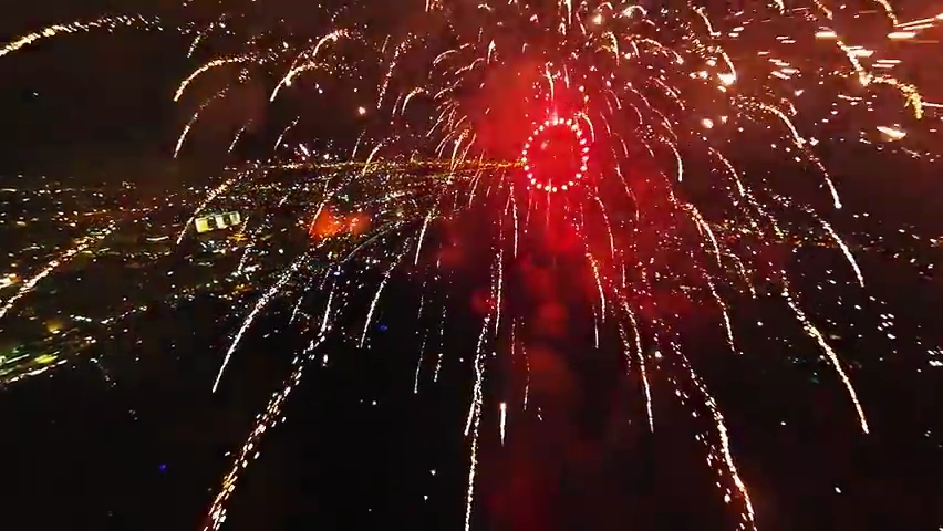 Fireworks filmed with a drone.mp4_000194060