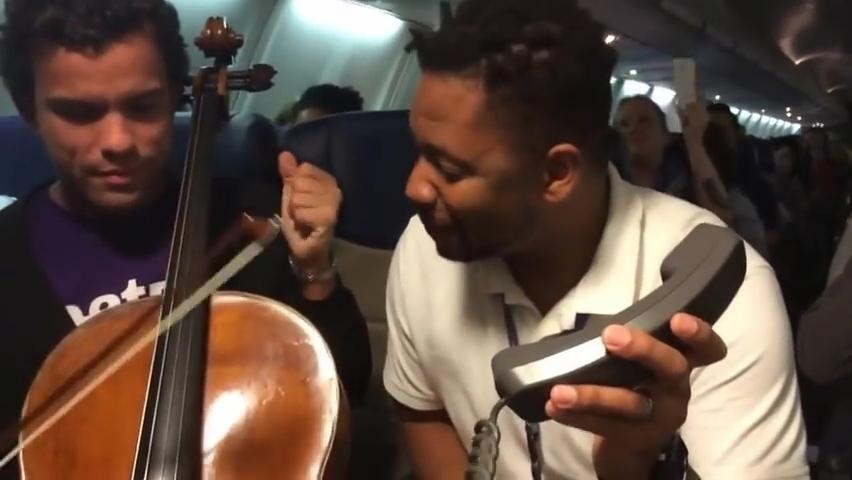 Beatbox and Cello impovised in a plane.mp4_000014247